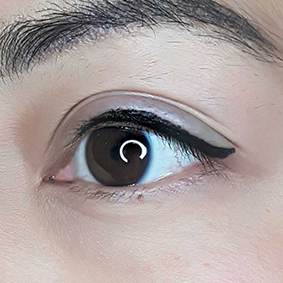 Baby Wing Eyeliner